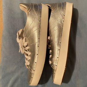 NWOB REBECCA MINKOFF SILVER SIZE 9.5 Sneakers 👟
